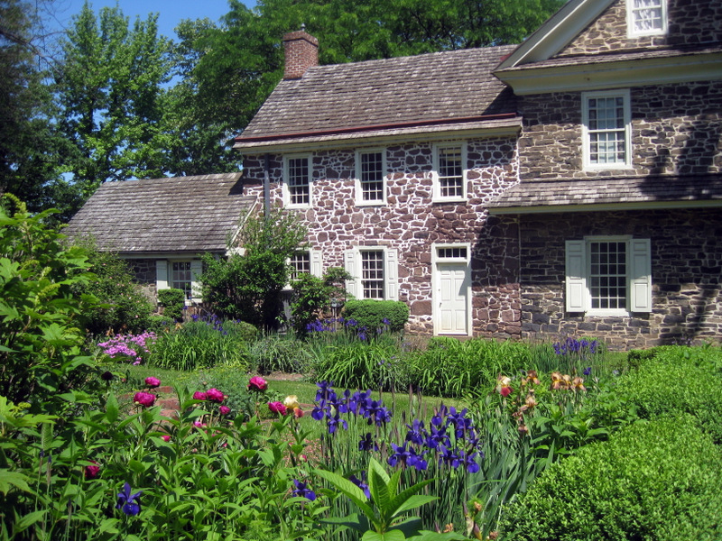 Colonial Revival Garden